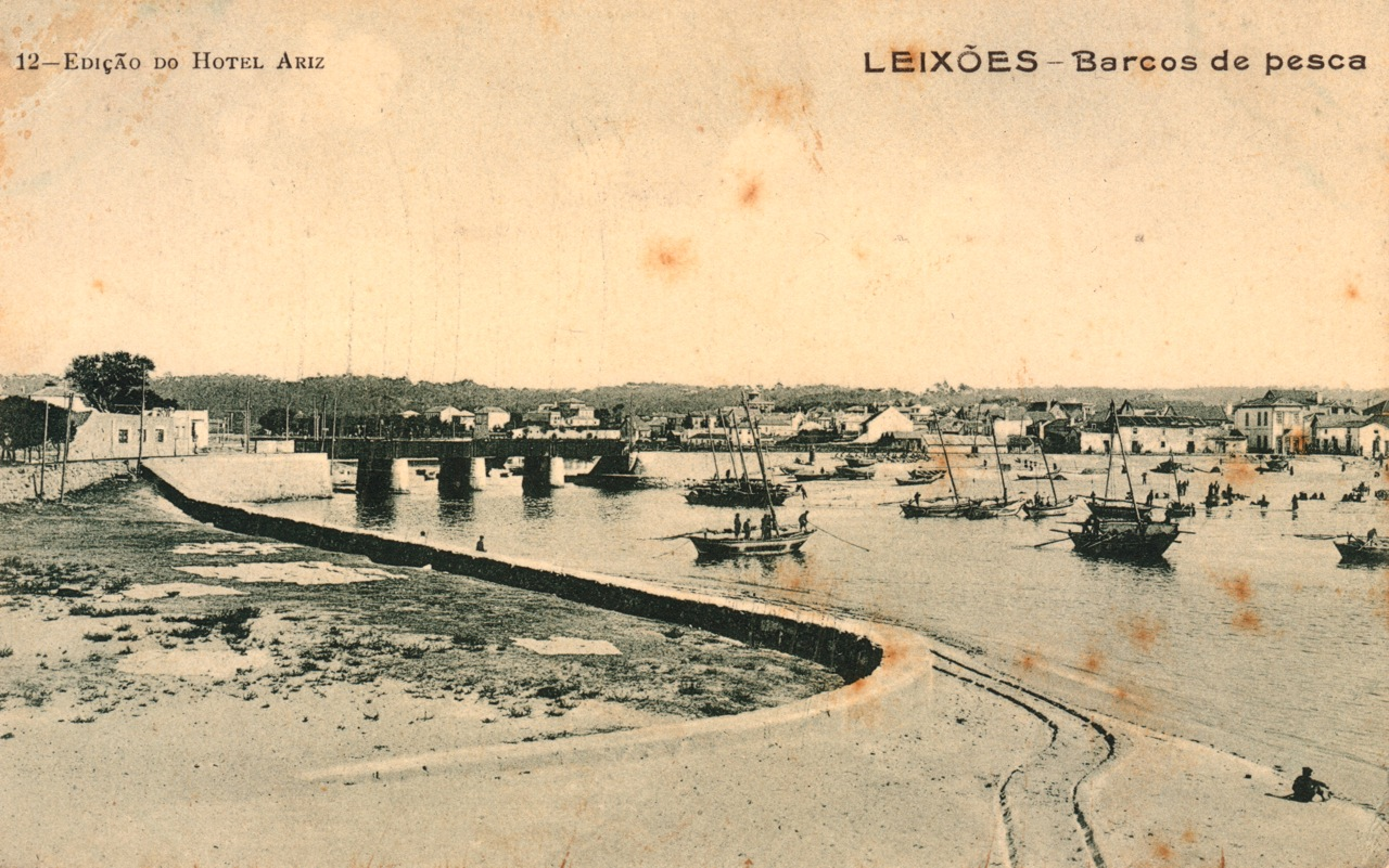 Leça with bridge and boats